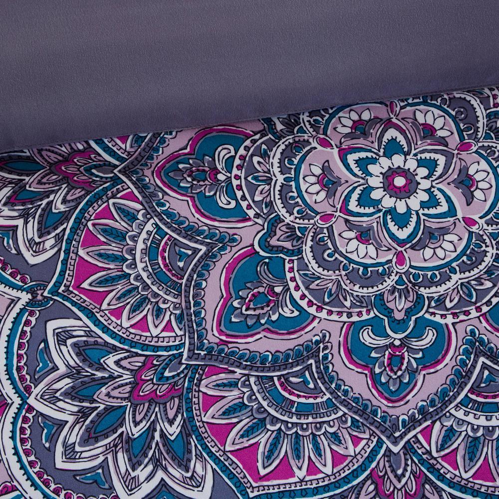 Katarina Abstract Coverlet Set