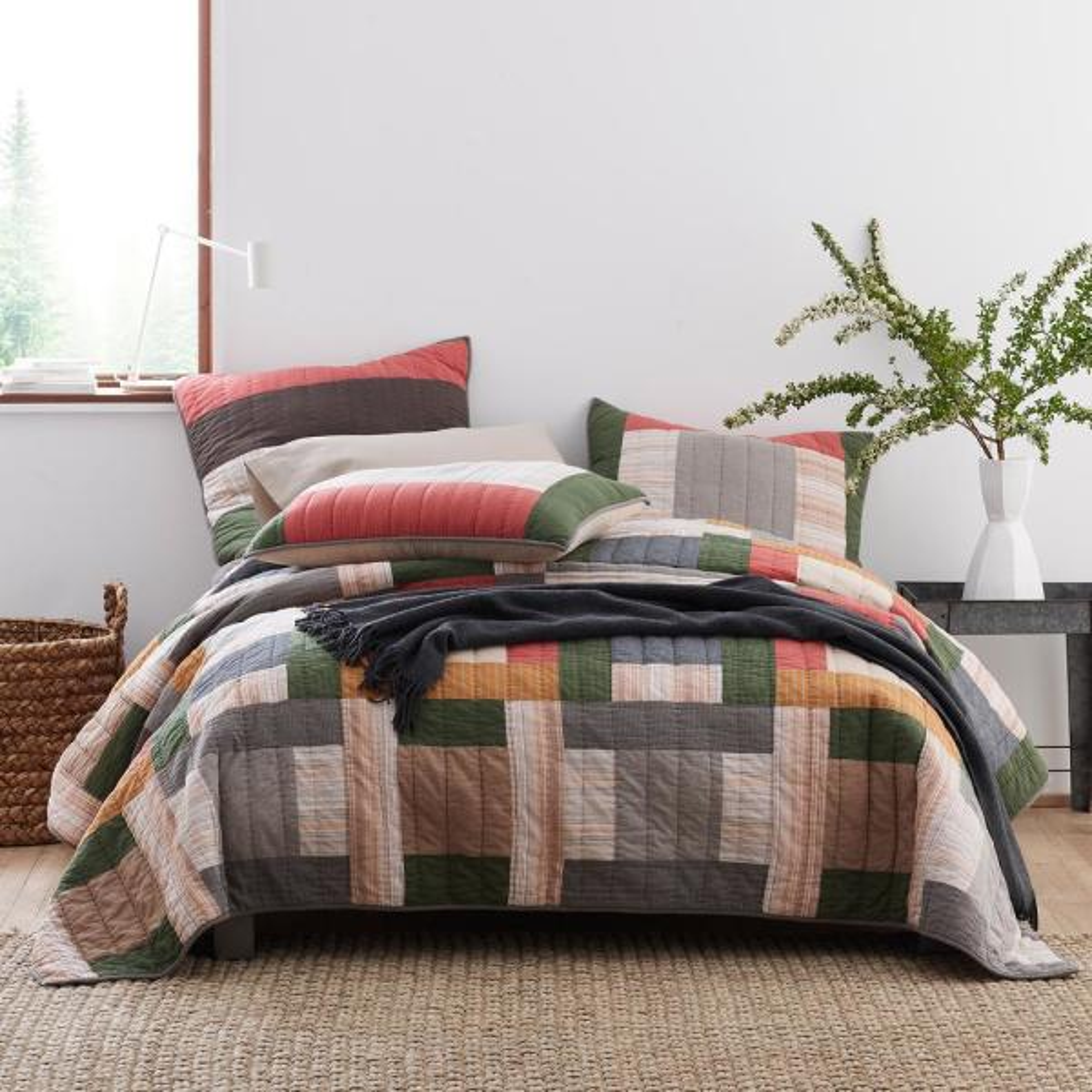 Buchanan Yarn Dyed Cotton Patchwork Full/Queen Quilt