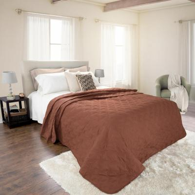 Classic Chocolate Polyester Full and Queen Quilt