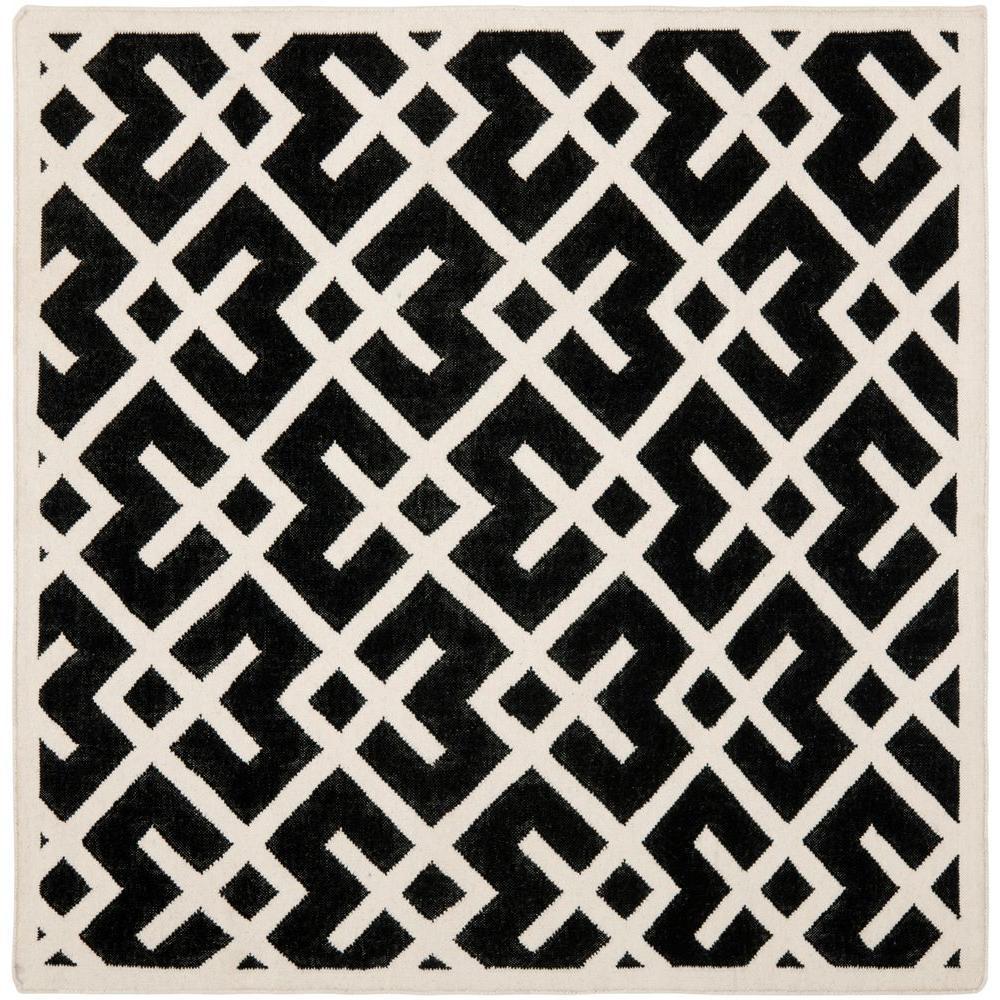 Safavieh Dhurries Black/Ivory 6 ft. x 6 ft. Square Area Rug