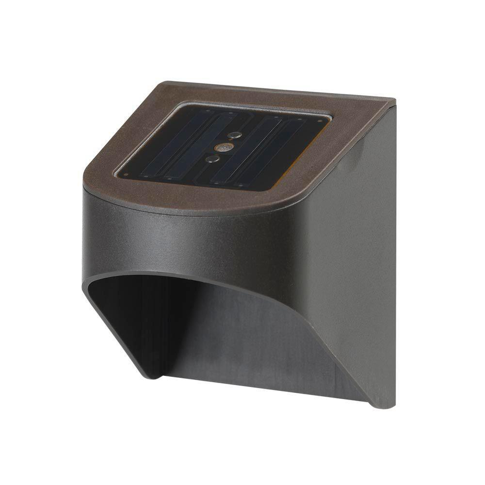 Hampton Bay Solar Dark Brown Outdoor Integrated Led Fence Or Deck Light 2 Pack Sl18p