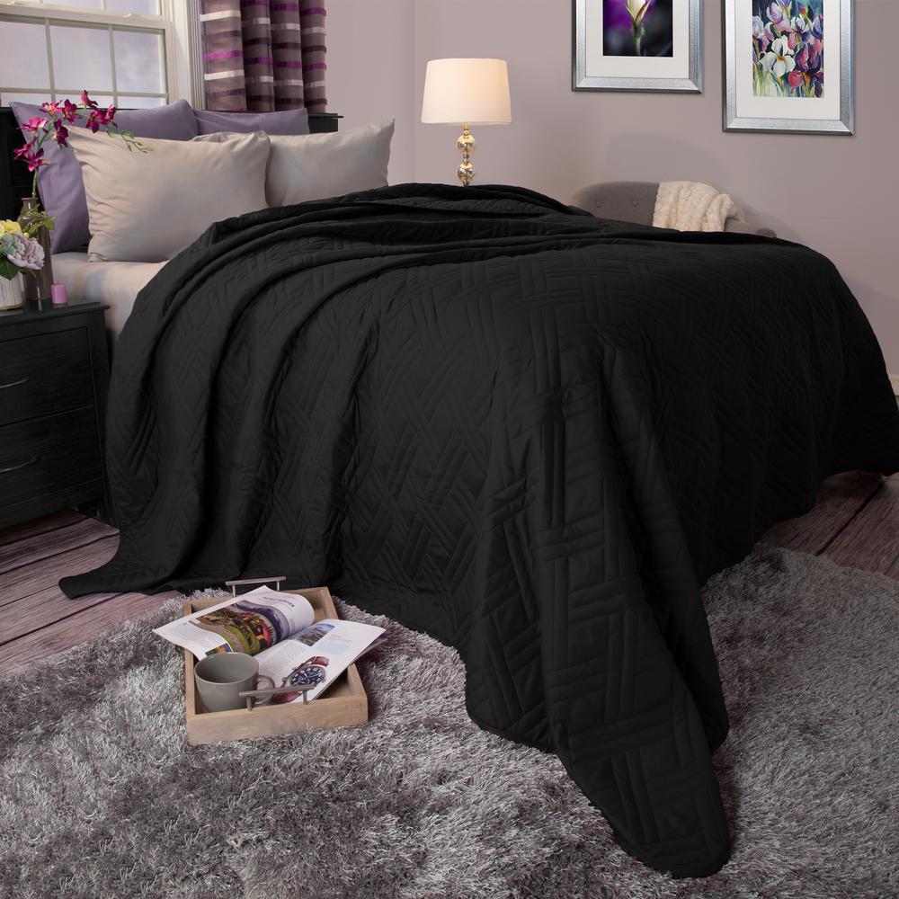 Lavish Home Solid Color Black Twin Bed Quilt 66-40-T-BL