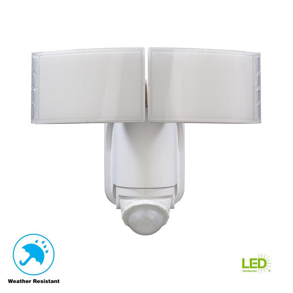 Marvelous Defiant 180° White Solar Powered Motion LED Security Light With Battery  Backup