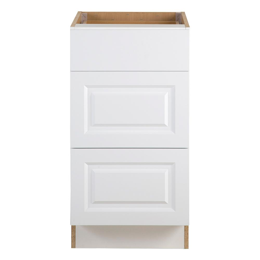 Benton Assembled 18x34.5x24.5 in. Base Cabinet with 3-Soft Close Drawers in