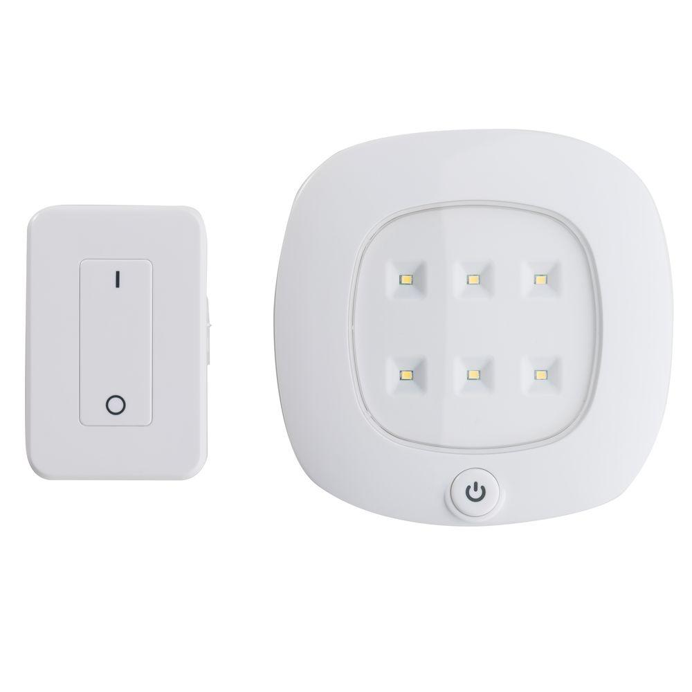 Elegant Light It! White Wireless Integrated LED Ceiling Light Set