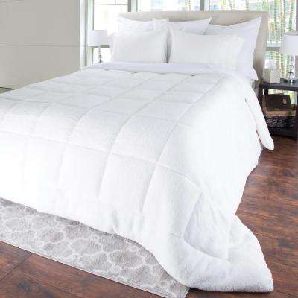 Light Warmth White Sherpa King Down Alternative Comforter