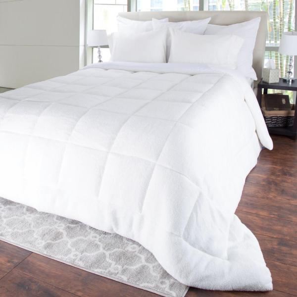 Bluestone Oversized Reversible White Down Alternative Sherpa King Comforter 64-23-K
