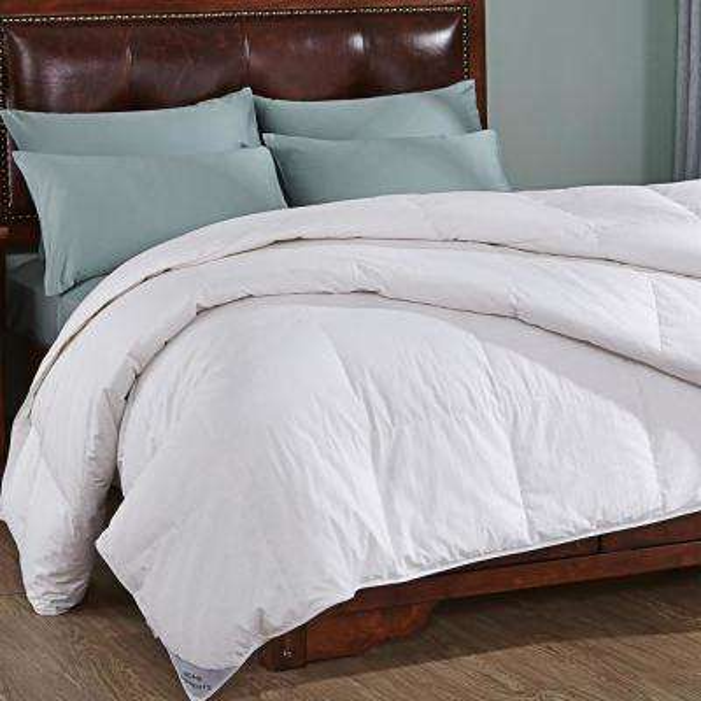 Luxurious King Lightweight Down Comforter