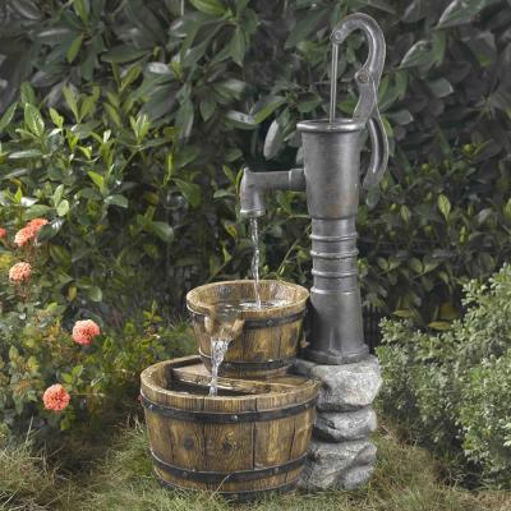 Old Fashion Water Pump Fountain