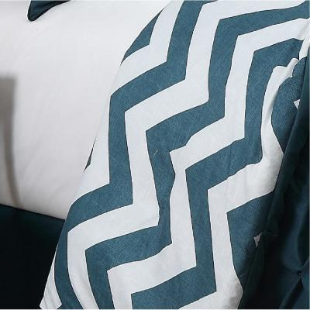 Venice Pinch Pleat Comforter Set