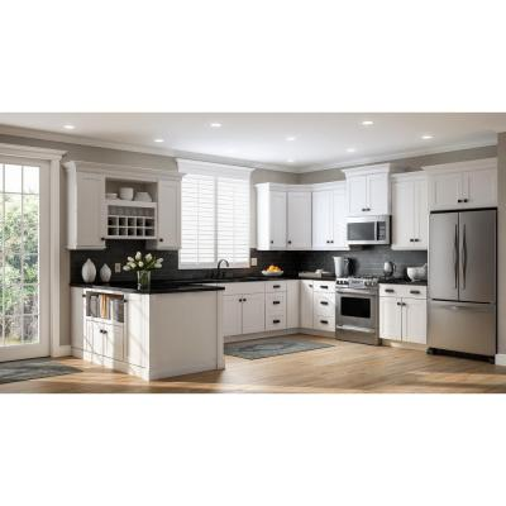 Shaker Assembled 28.5x34.5x16.5 in. Lazy Susan Corner Base Kitchen Cabinet in Satin White