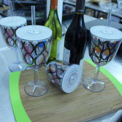 Acrylic Wine Glass with Circle Pattern (Set of 4)