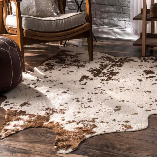 Stylewell Iraida Faux Cowhide Off White Brown 4 Ft X 5 Ft Shaped Accent Rug Bibr01c 31005 The Home Depot