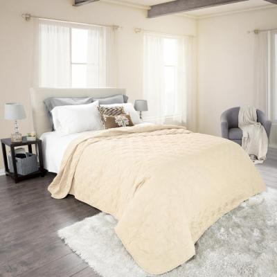 Classic Ivory Polyester Full and Queen Quilt