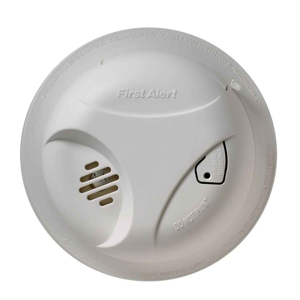 First Alert Battery Operated Long Life Lithium Smoke Detector