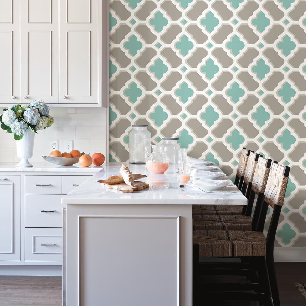 Lido Turquoise Quatrefoil Wallpaper Sample