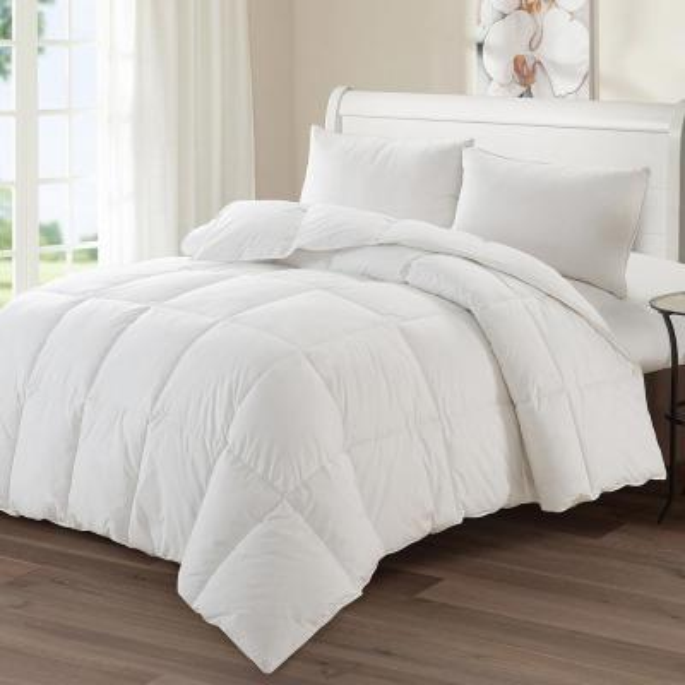 Luxury Goose 68 in. x 88 in. Twin Down Medium Warmth Comforter
