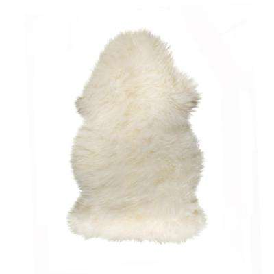 New Zealand Natural 2 ft. x 3 ft. Single Sheepskin Area Rug