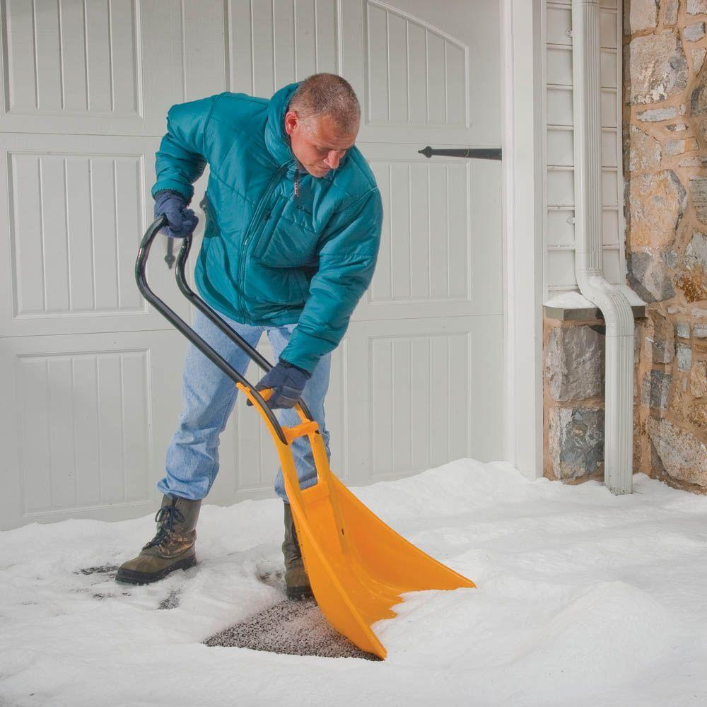 SnoBoss 26 in. Snow Shovel