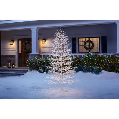 7 ft LED White Tree with Berries