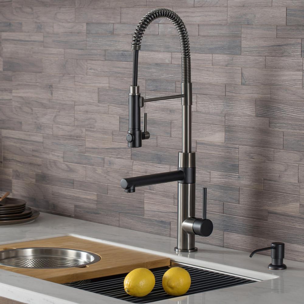 Vigo Zurich Single Handle Pull Down Sprayer Kitchen Faucet With Deck Plate In Matte Black Vg02007mbk1 The Home Depot