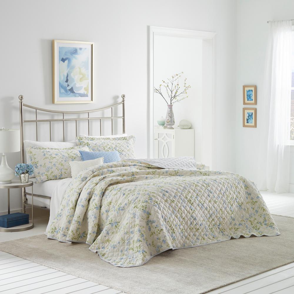 Fawna 3-Piece Blue Floral Cotton Full/Queen Quilt Set