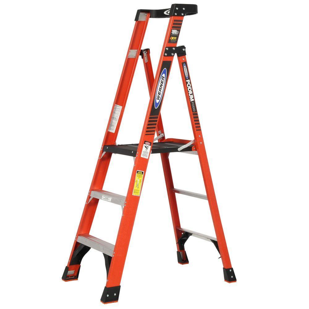 Werner 9 Ft Reach Fiberglass Podium Ladder With 300 Lb