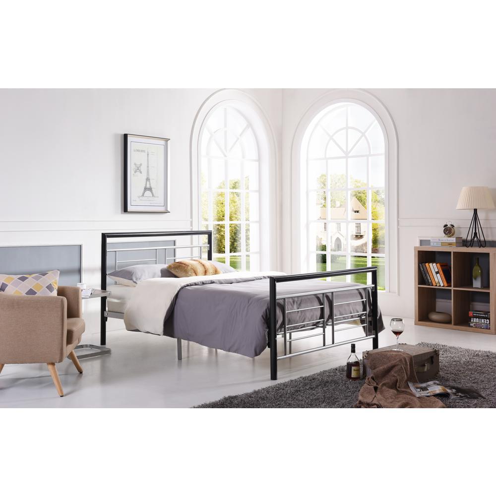 Hodedah Black and Silver Queen Platform Bed