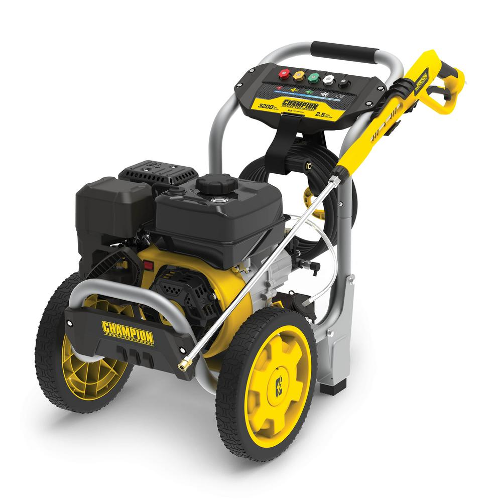Champion Power Equipment 3200 PSI 2.5 GPM Low Profile Gas Cold Water Pressure Washer