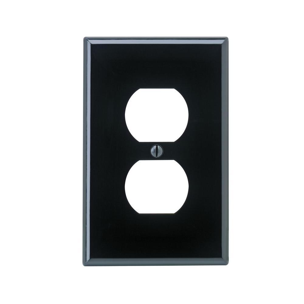 Leviton 1-Gang Midway Duplex Outlet Nylon Wall Plate, Black