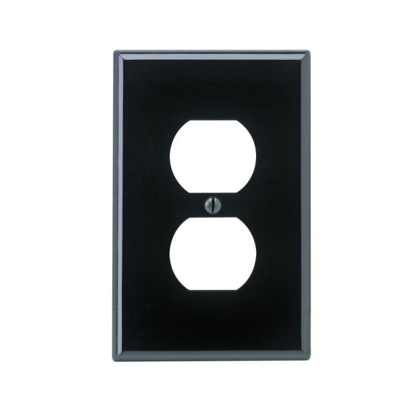 Leviton 1 Gang Midway Duplex Outlet Nylon Wall Plate Brown R50 00pj8 000 The Home Depot
