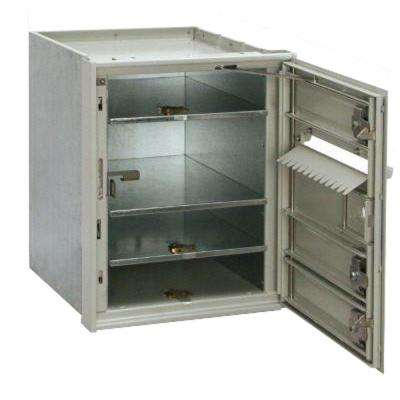 4C Wall-Mount Horizontal Mailbox with 3-Door