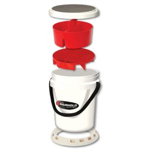 Shurhold 5 Gal. White Bucket Kit by Shurhold