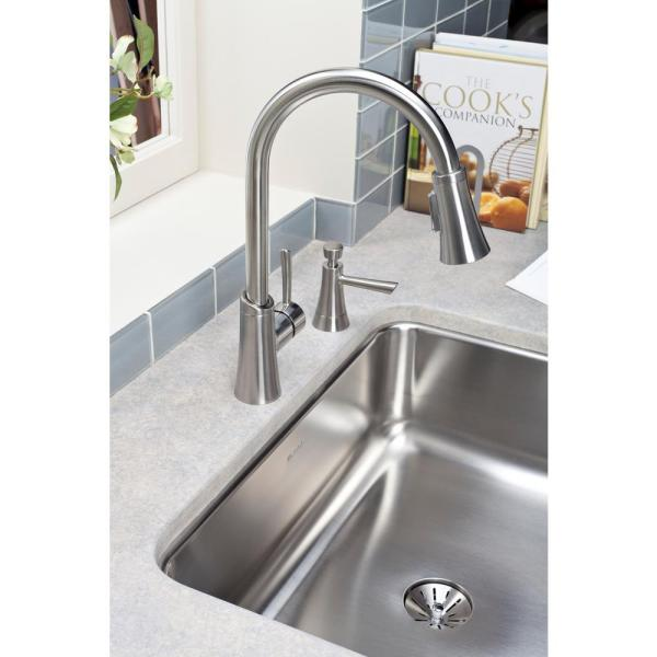 Elkay - Gourmet Single-Handle Pull-Down Sprayer Kitchen Faucet in Lustrous Steel