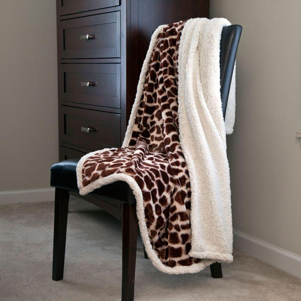 Lavish Home Giraffe Fleece Sherpa Polyester Throw Blanket