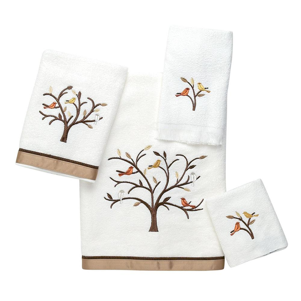 Friendly Gathering 4-Piece Bath Towel Set in White