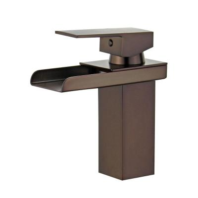 Pampalona Single Hole Single-Handle Bathroom Faucet with Overflow Drain in Oil Rubbed Bronze