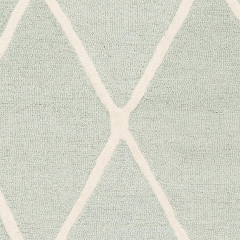 26 x 8 Safavieh Kids Collection SFK906M Handmade Mint Moroccan Wool Runner SFK906M-28