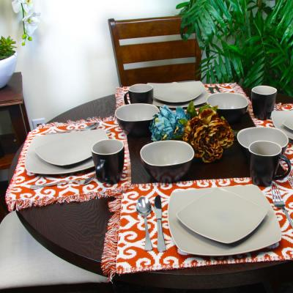Infinite Glaze Matte 16-Piece Dinnerware Set