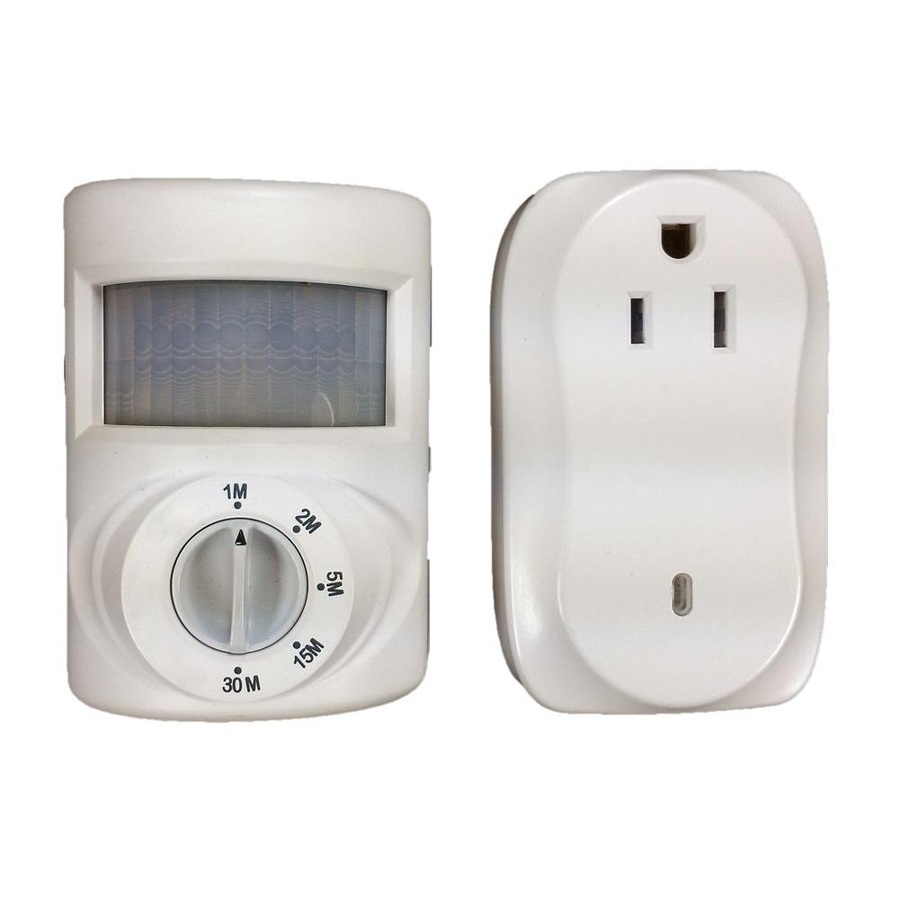 Defiant 200 Watt Wireless Indoor Plug In Motion Activated Light Control White
