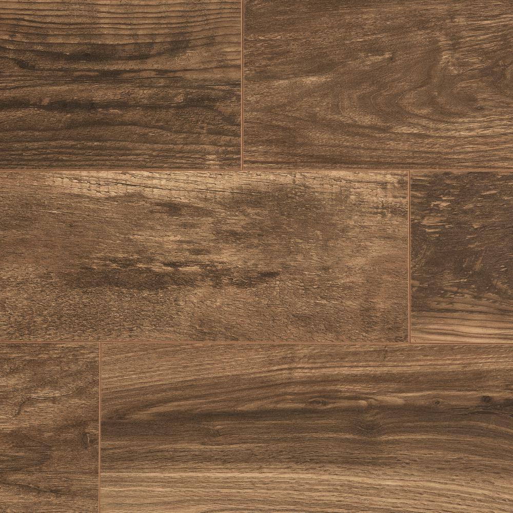 Hillrose Fusion Oak 12 mm T x 6.06 in W x 50.67 in L Water Resistant Laminate Flooring (17.07 sq. ft./case)