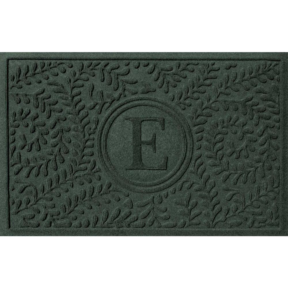 Bungalow Flooring Boxwood Evergreen 24 in. x 36 in. Monogram E Door Mat