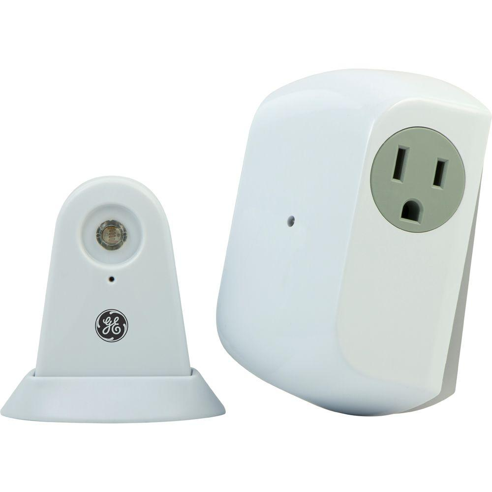 Wireless Dusk-to-Dawn Light Control with Grounded Receiver