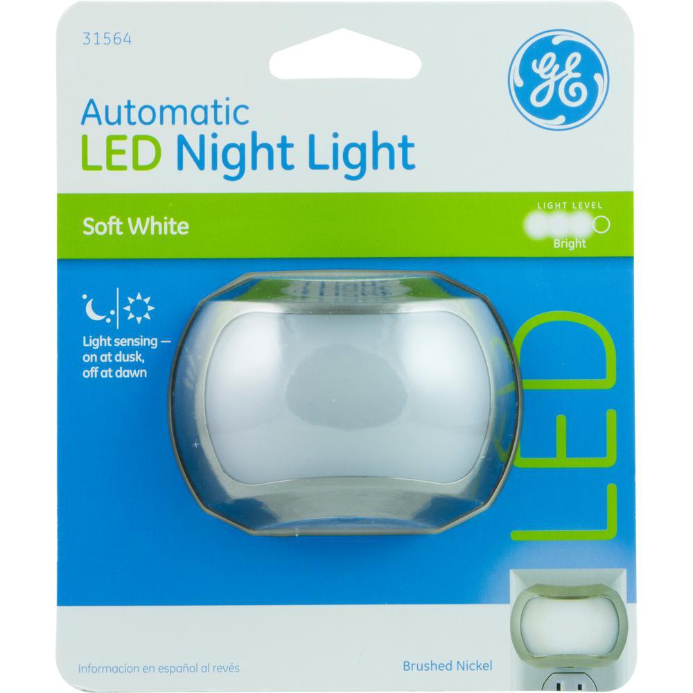 Ge 1w Light Sensing Night Light Brushed Nickel