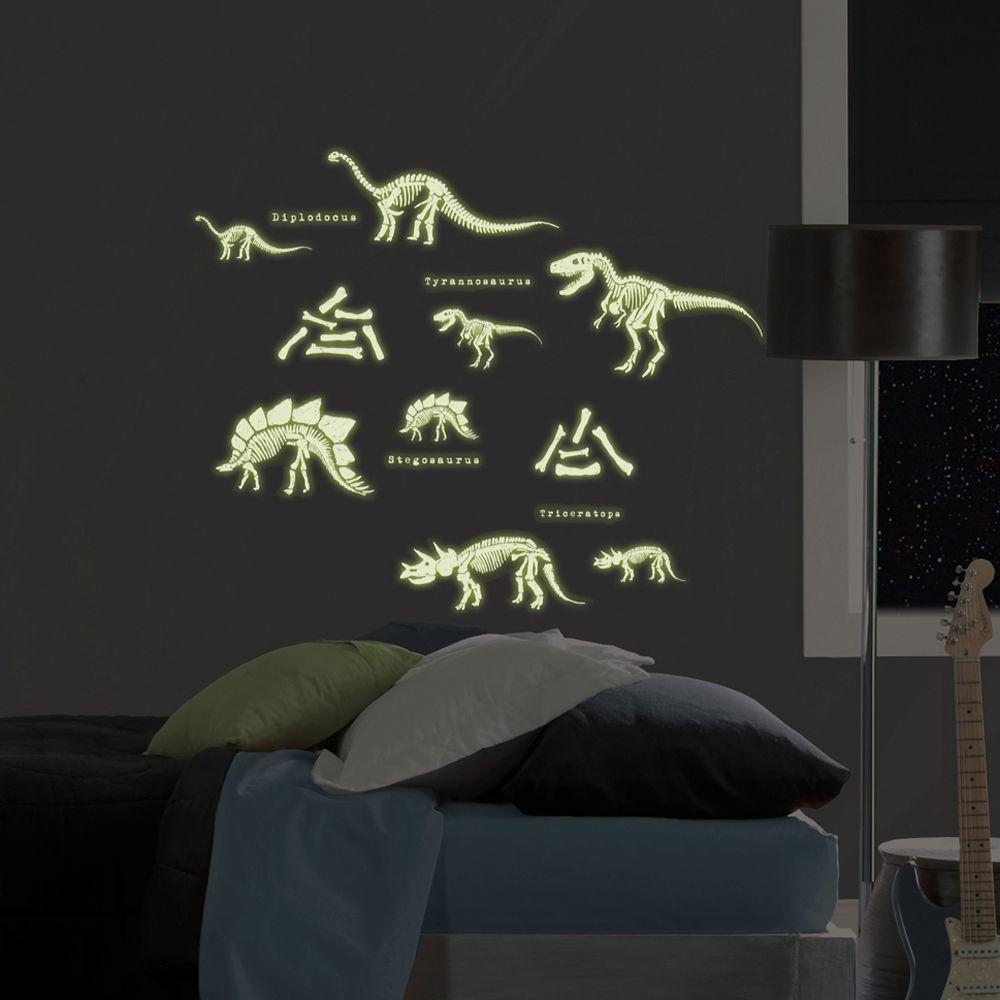 Superior 24 Piece Dinosaurs Glow In The Dark Wall