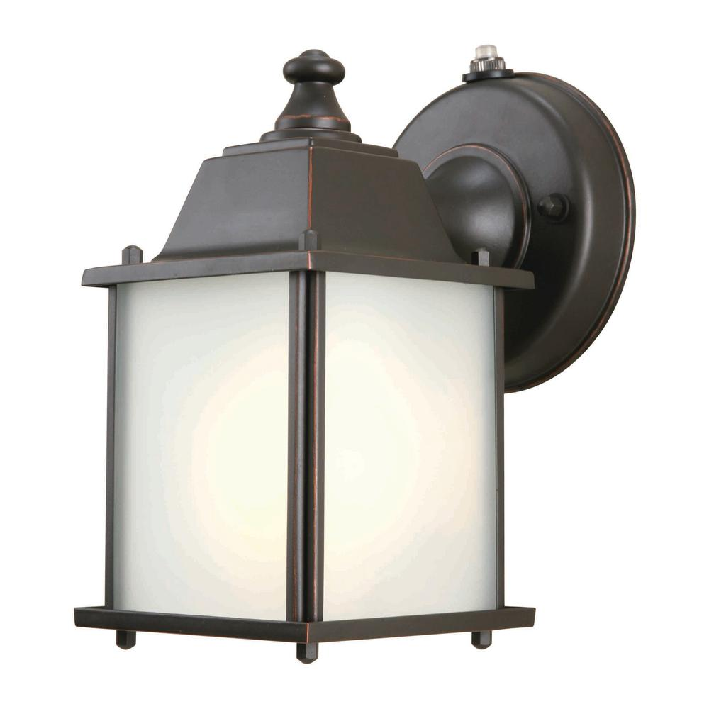 Hampton Bay 1-Light Oil-Rubbed Bronze Outdoor Dusk-to-Dawn Wall ...