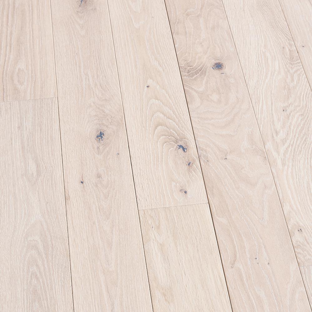 French Oak Doran 3/4 in. T x 5 in. W x Varying Length Solid Hardwood Flooring (904 sq. ft./Pallet)