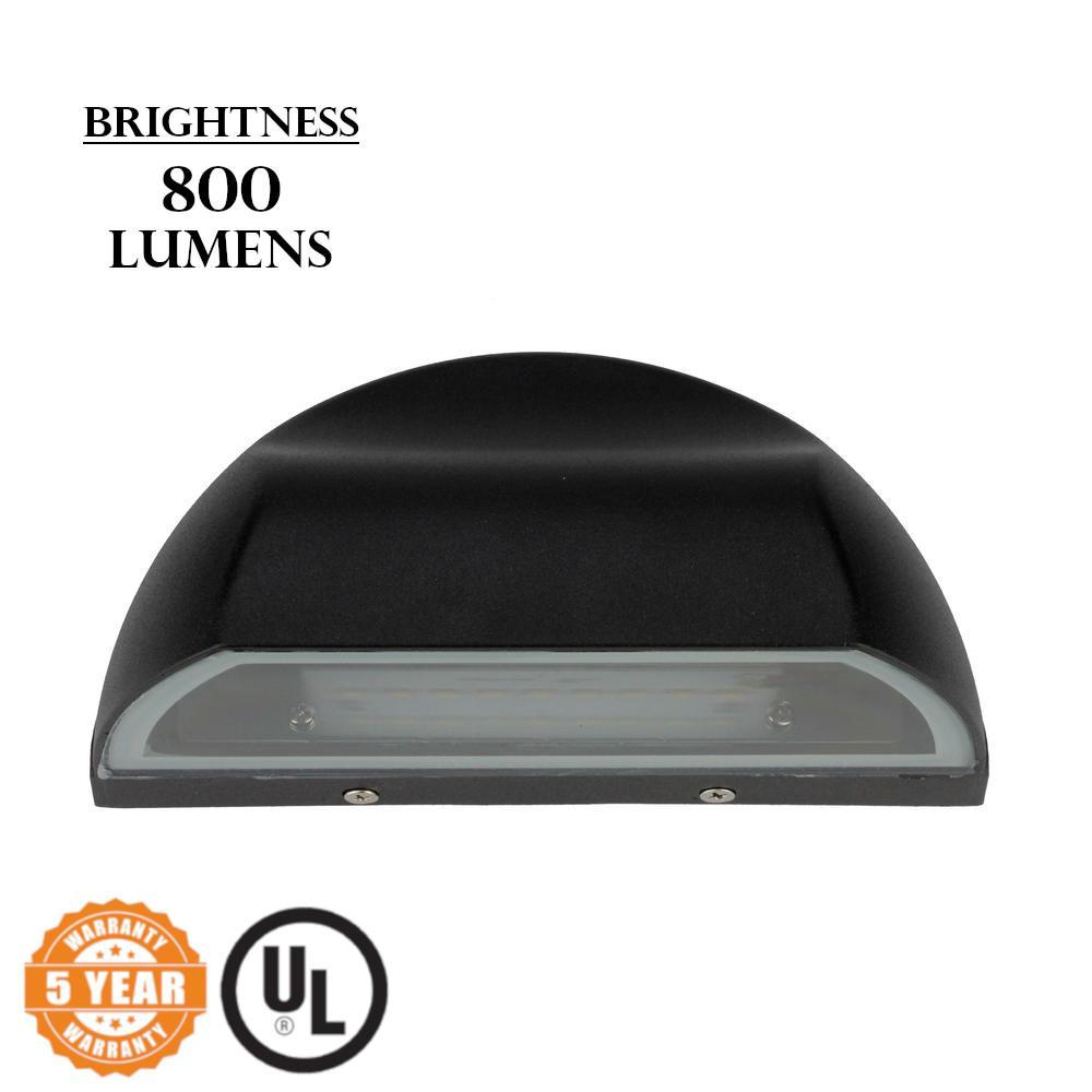 Wall Mount Light 8-Watt Black Outdoor Integrated LED Lantern