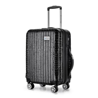 Luggage Tech The Nile Collection 20 in. Smart Luggage - Black