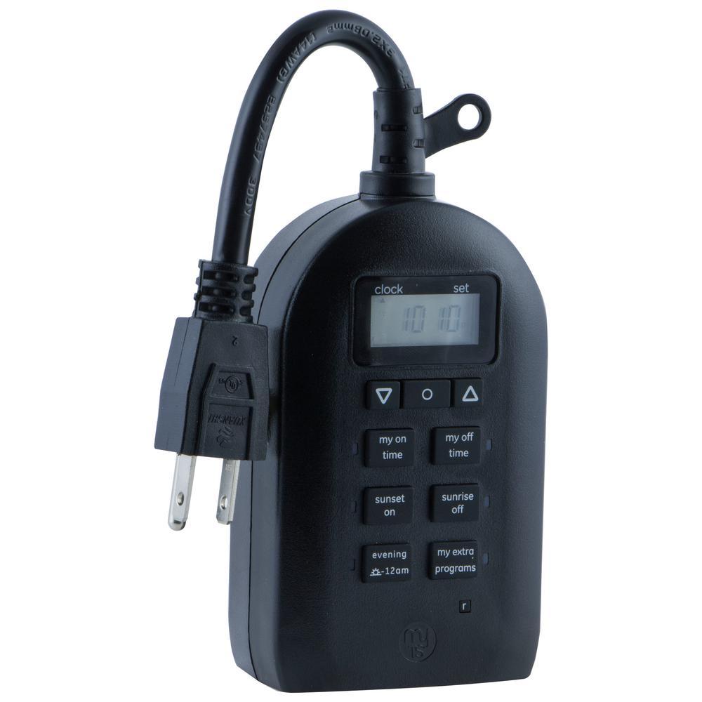 7-Day 2-Outlet Outdoor/Indoor SunSmart Plug-In Timer, Black